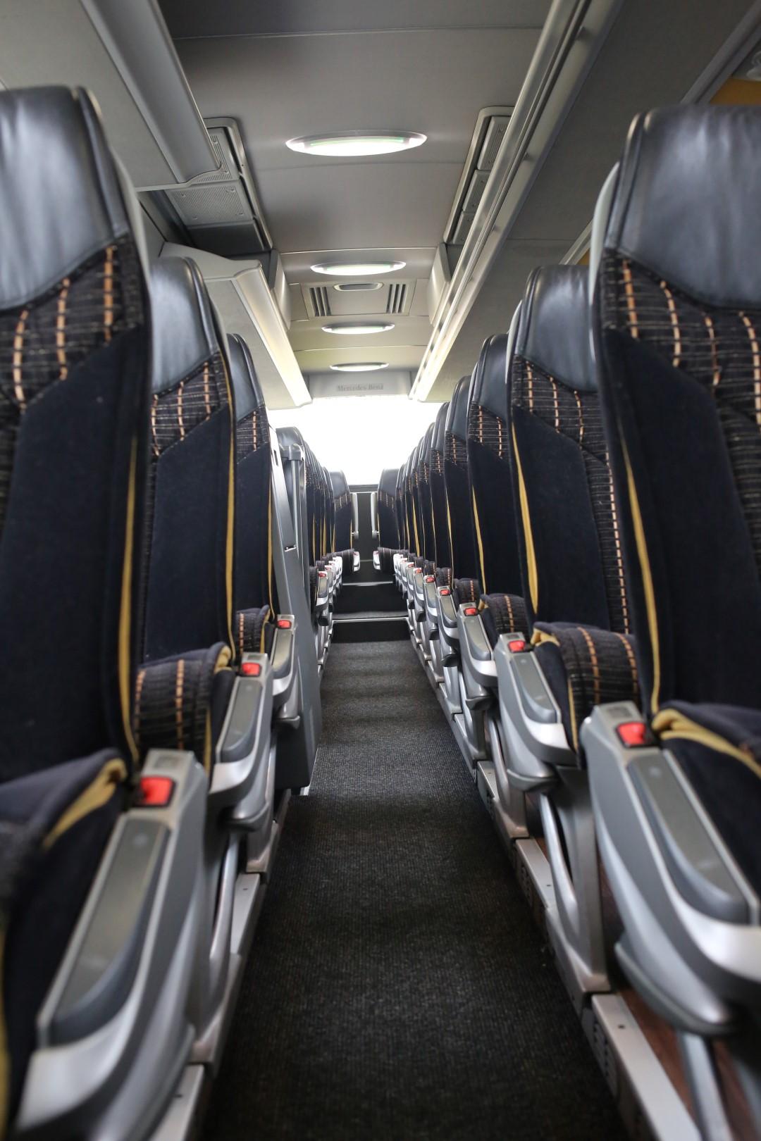 Royal Busreisen   Kürbisstr. 71, 65428 Rüsselsheim   Royal Busreisen   Kürbisstr. 71, 65428 Rüsselsheim   Tourismo NEU (4) (Large)